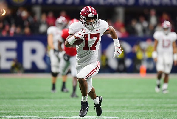 Jalen Waddle rushes for the endzone in the 2019 SEC Championship game.