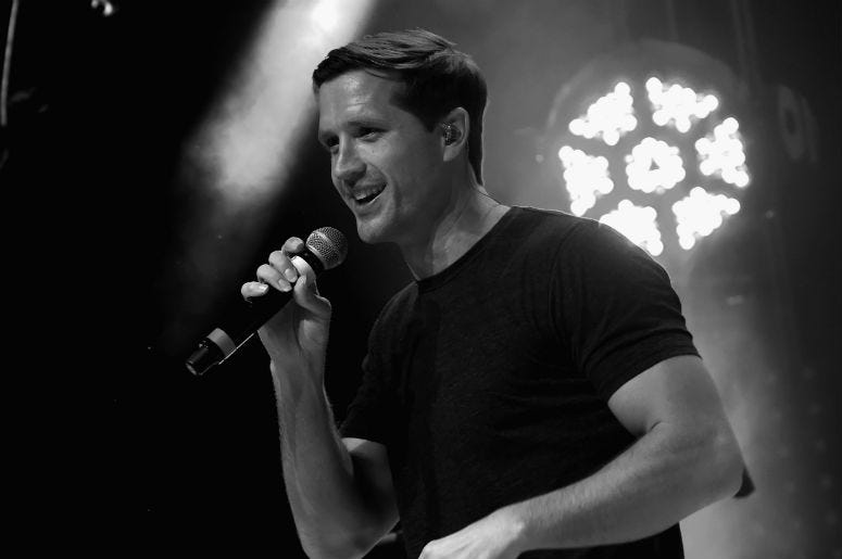 Walker Hayes Sings Us Through 90s Country