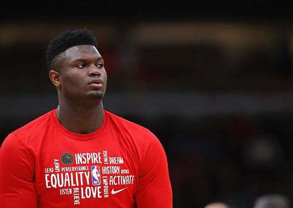 Zion Williamson warms up before a Pelicans game.