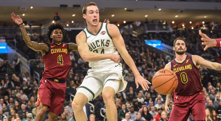Pat Connaughton against the Cleveland Cavaliers