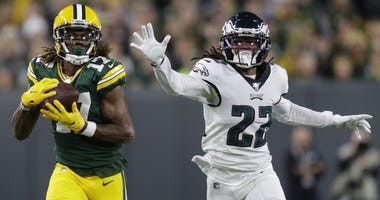 Green Bay Packers wide receiver Davante Adams (17) pulls down a long reception against Philadelphia Eagles cornerback Sidney Jones (22) in the first quarter during their football game Thursday, September 26, 2019, at Lambeau Field in Green Bay, Wis. Apc P