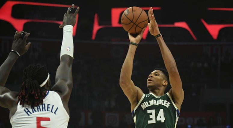 Giannis Antetokounmpo leads the Bucks over the Clippers