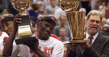 Michael Jordan Phil Jackson Bulls