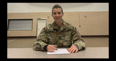 Minnesota National Guardsmen also plays for National Women's Hockey League
