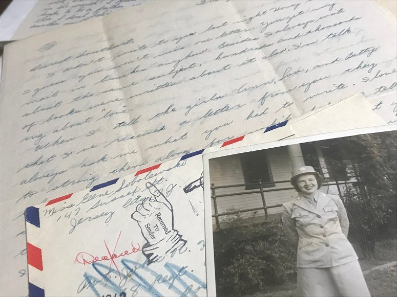 A letter and picture from a woman to her fiance from WWII. Part of the collection at The Center for American War Letters.