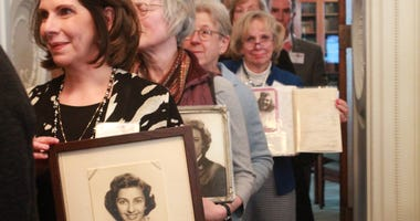 Library of Congress hold reunion event for WWII veterans