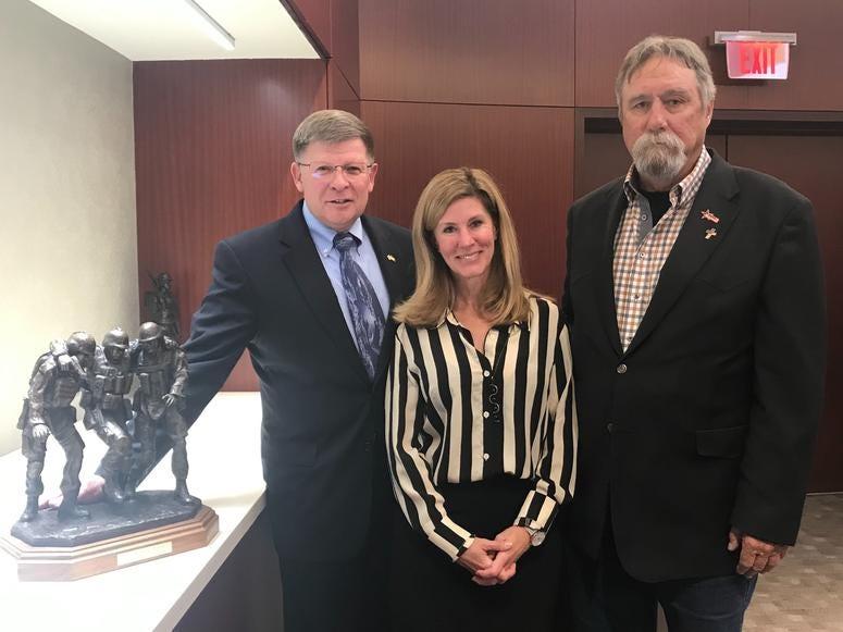 John Phelps, Robin Kelleher, Maj. Gen. Jim Kessler