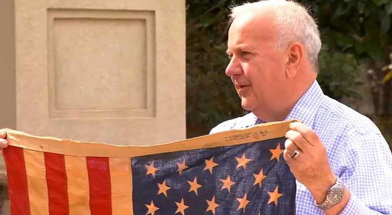 Richard Oulton, American flag