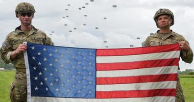 Flag and soldiers