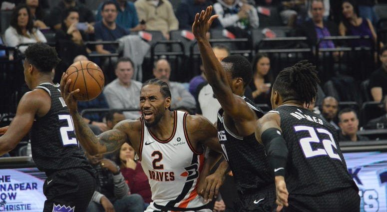 Kings Routed By Clippers