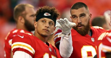 Patrick Mahomes says Travis Kelce won roulette by betting on No. 24 after Kobe's death