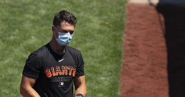 Posey Opts Out of 2020 Season After He, Wife Adopt Twins