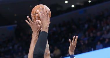 Grizzlies beat Spurs 1 10 20