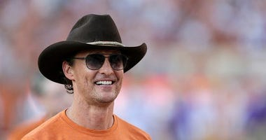Matthew McConaughey recalls fateful bet on Bills in Super Bowl XXVIII