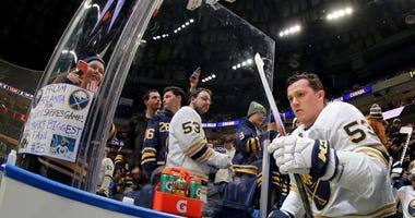 Sabres' Skinner donating to help those fighting COVID-19