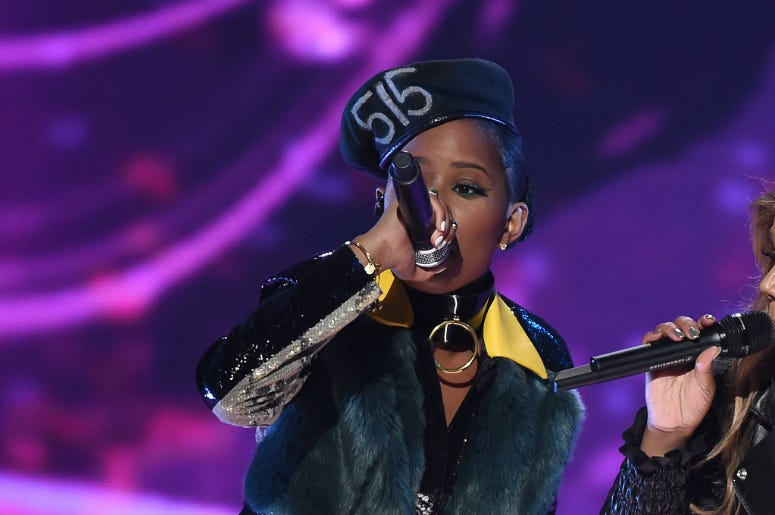 DeJ Loaf perform on the 'VH1 Hip Hop Honors: All Hail the Queens' at David Geffen Hall at Lincoln Center on Monday, July 11, 2016 in New York City.