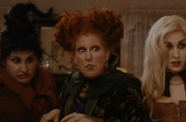 ""\""""Hocus Pocus"""" is one of the many Halloween classics you can watch for nearly free this coming Halloween. Vpc Halloween Specials Desk Thumb""380|250|?|en|2|a2f8a1285c7a5289f5718c541d69a38a|False|UNSURE|0.3436020016670227