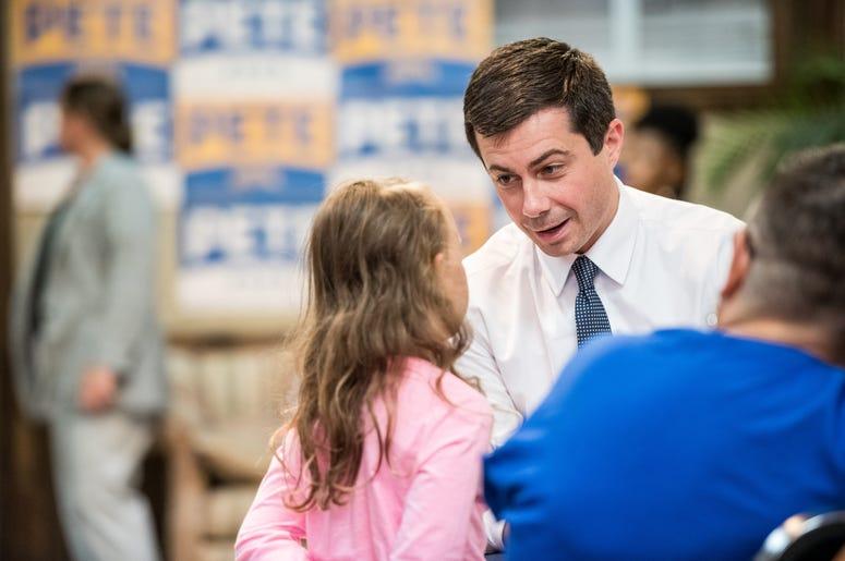 Mayor Pete withh child