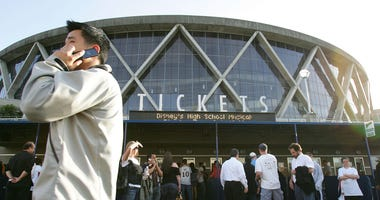 OAKLAND, CA - APRIL 27: Fans line up at the ticket booth before the Dallas Mavericks and Golden State Warriors Game Three of the Western Conference Quarterfinals during the 2007 NBA Playoffs on April 27, 2007 at Oracle Arena in Oakland, California. NOTE T