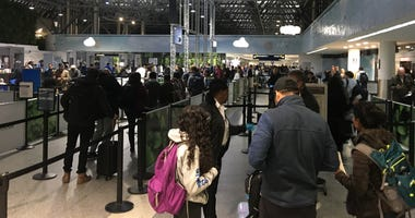 Security lines at Oakland International Airport November 27, 2019