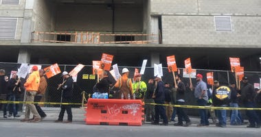 Construction workers protest in Oakland