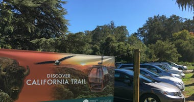 Huge crowds at the Oakland Zoo have created parking and traffic problems in the Oakland hills neighborhood.