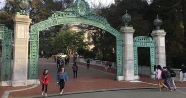 UC-Berkeleys entrance.
