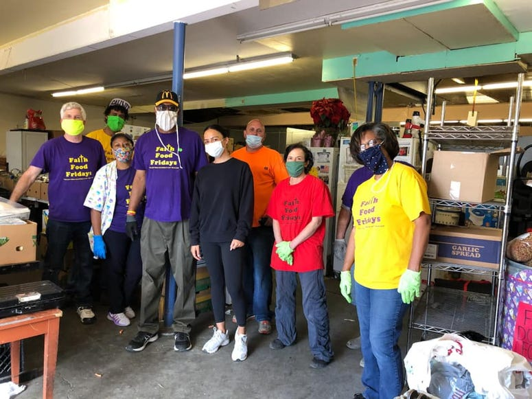 A big group of volunteers at Faith Food Fridays in Vallejo.
