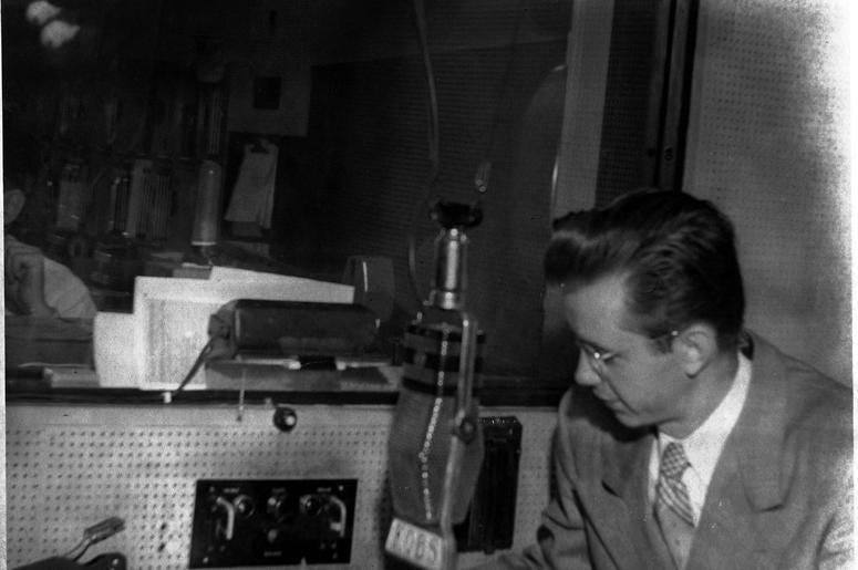 Longtime KCBS Radio announcer Ken Ackerman