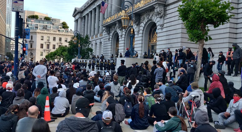 Protests against police brutality continue in San Francisco hours before second night of curfew, May 31, 2020