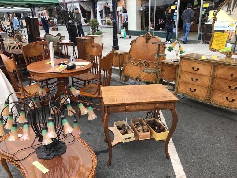 Niles Antique Faire & Flea Market