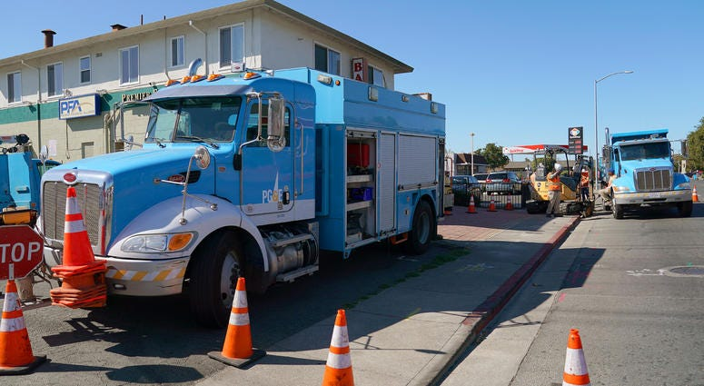 acific Gas & Electric crews work on October 09, 2019 in Vallejo, California.