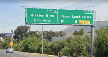 Dixon Landing Road freeway sign