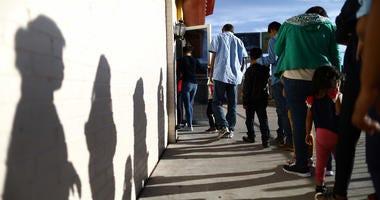 Central American migrants seek asylum in Texas