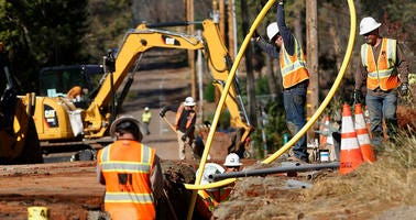 PG&E Calls On Judge To Approve Insurance Settlement