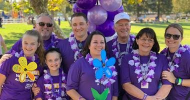 """""""Team Stacey"""" raises money for Alzheimer's research after a surprising diagnosis"""