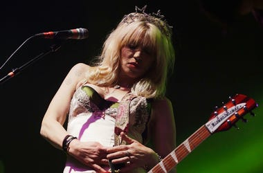 Courtney Love performs in 2014