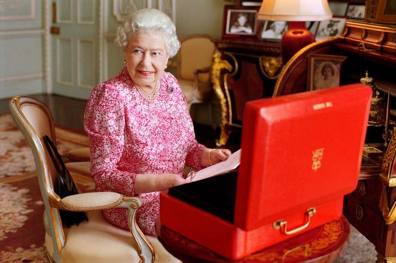 Queen Elizabeth Posts Her First Instagram Photo