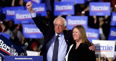 Sen. Bernie Sanders, I-Vt., left, and his wife, Jane Sanders