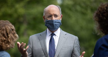 Governor Tom Wolf wears a mask in public