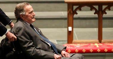 Presidents George W. Bush and George H.W. Bush