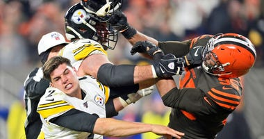 Steelers-Browns Fight