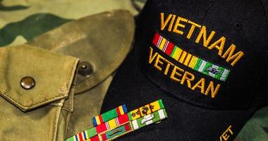 Vietnam Veterans Hat, Service Ribbons & Pouches