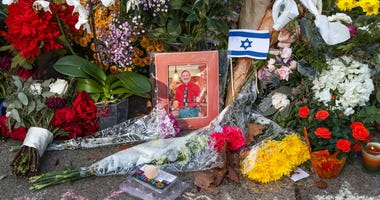 A memorial outside the Tree of Life Synagogue in Squirrel Hill
