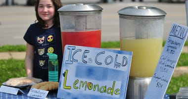 Young girl at lemonade stand