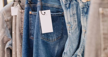 Is It Safe to Try On Clothes While Shopping During the Coronavirus Pandemic?