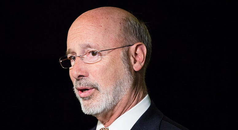 Governor Wolf signs executive order to close the gender pay gap.