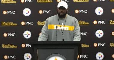 Mike Tomlin at podium