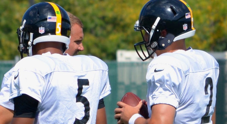 Steelers quarterbacks Josh Dobbs, Mason Rudolph and Ben Roethlibserger in 2018 practice