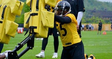 Steelers LB Devin Bush at practice in 2019